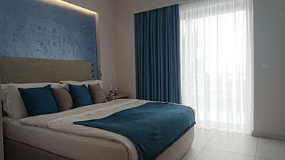 δωμάτιο με θέα θάλασσα